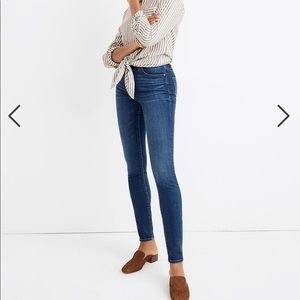 "Madewell Curvy 10"" High-Rise Skinny Jean in Hayes"